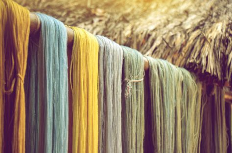 colorful-cotton-thread-from-natural-dye-color-desiccate-indoor-drying_41886-393_475 Cursussen en workshops - Den Bolder